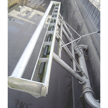 推杆旋转式滗水器